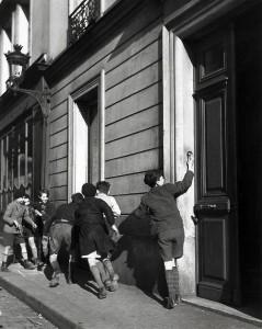 Rober Doisneau La sonnette 1934