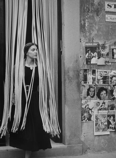 jinx through the beads florence 1951 by ruth orkin